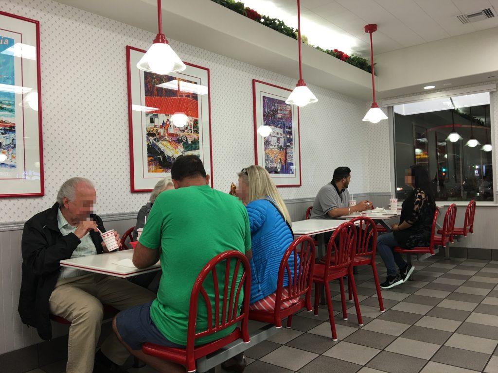 ロサンゼルス In-N-Out Burger(インアンドアウトバーガー)
