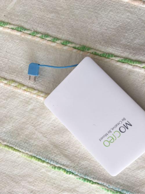 mocreo,モクレオ,iPhone,充電,予備バッテリー