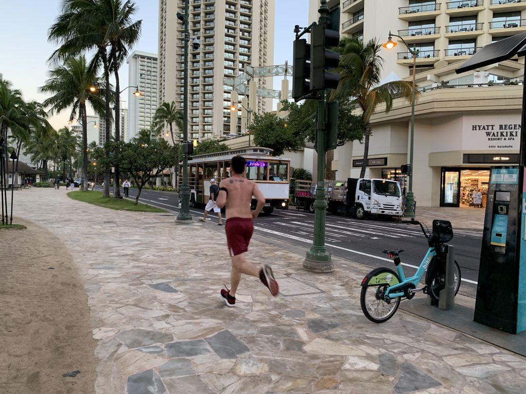 ハワイランニング,ホノルル,ラン,旅ラン,フルマラソン,ハワイ移住,ハワイライフ,Hawaii,ハウツリーラナイ,エッグベネディクト